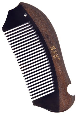 8100931 | Tan's Natural Chacate Preto Wood With Horn Comb With Handmade Fish Shape