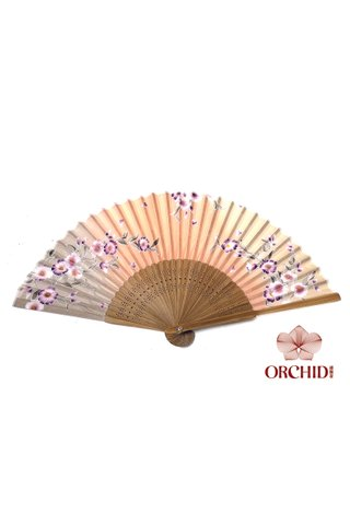 8484933 | Bamboo And Silk Chinese Style Fan