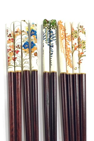 Flowers Design | Natural Wood Chopsticks and Holders Dining Set
