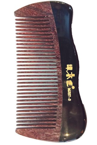 8100642 | Tan's Chacate Preto Wood and Buffalo Horn Comb